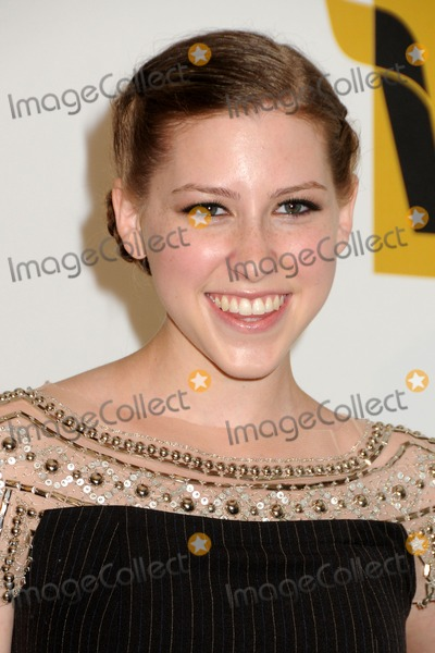 Eden Sher looks like mayim