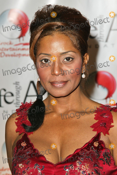 Download this Donzaleigh Abernathy The Cast Picture Red Party Benefit For Life picture