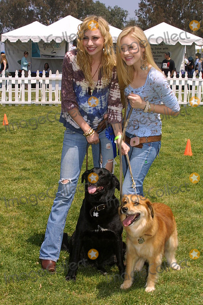Amanda A J Michalka Photo - Alyson (Aly) Michalka and Amanda (AJ) Michalkaat the Nuts For Mutts Dog Show Pierce College Woodland Hills CA 04-30-06