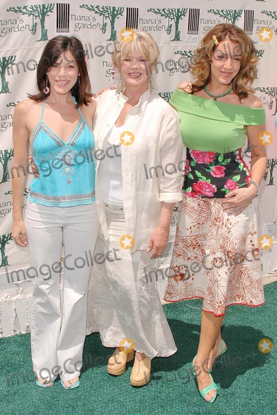 Tricia Leigh Fisher,Connie Stevens,Joely Fisher,Tricia Fisher Photo - Nanas Garden Opening