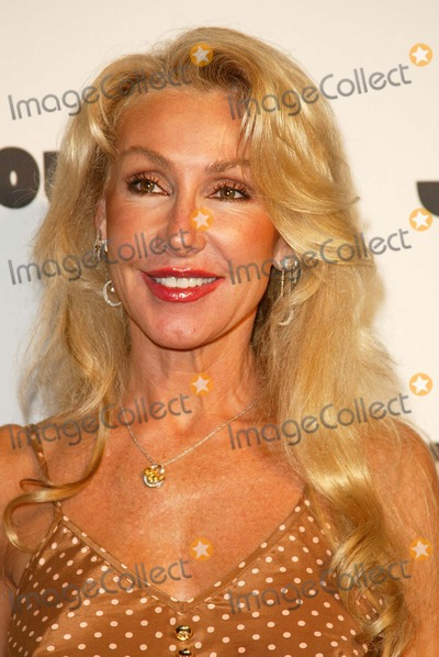 Linda Thompson Photo - Jane Magazines Go Naked Party