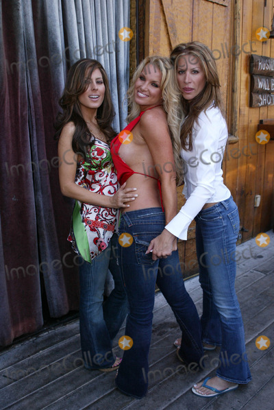 Tina Jordan,Kerri Kasem Photo - Two Chicks and a Bunny at the Saddle Ranch