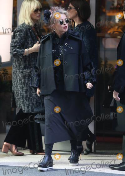 Photo - Photo by KGC-146starmaxinccomSTAR MAX2016ALL RIGHTS RESERVEDTelephoneFax (212) 995-1196102616Cate Blanchett Sandra Bullock Dakota Fanning Helena Bonham Carter Damian Lewis and Gary Ross on the set of Oceans 8 in New York City