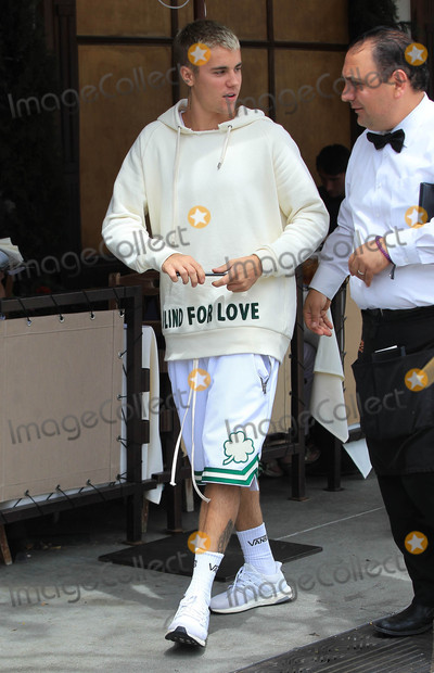 Photo - Photo by gotpapstarmaxinccomSTAR MAX2017ALL RIGHTS RESERVEDTelephoneFax (212) 995-119642517Justin Bieber is seen in Los Angeles CA