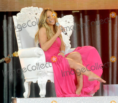 Photos From Mariah Carey performs on 'Good Morning America'