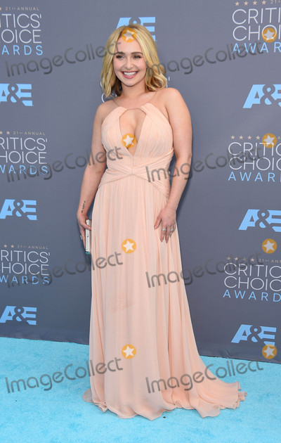 Hayden Panettiere Photo - Photo by KGC-11starmaxinccomSTAR MAX2016ALL RIGHTS RESERVEDTelephoneFax (212) 995-119611716Hayden Panettiere at The 21st Annual Critics Choice Awards(Santa Monica CA)