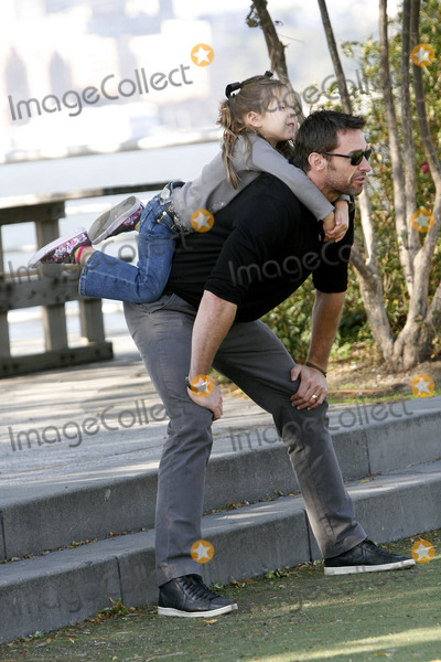 Hugh Jackman Photo - HUGH JACKMAN AND KIDS SIGHTING