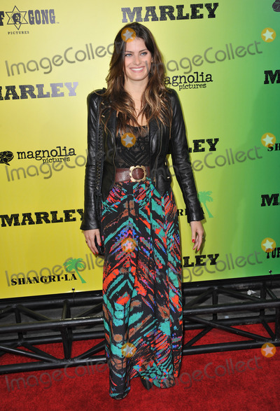 Isabeli Fontana Photo - Brazilian model Isabeli Fontana at the Los Angeles premiere of Marley at the Cinerama Dome HollywoodApril 17 2012  Los Angeles CAPicture Paul Smith  Featureflash
