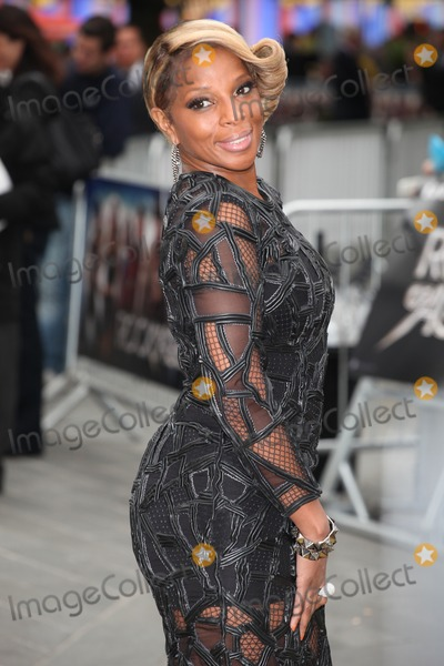 THE ROCK,Mary J. Blige Photo - Rock Of Ages Premiere