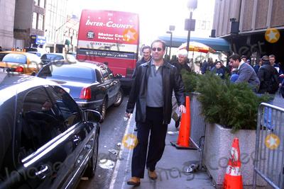 Jerry Seinfeld Photo - the New York Knicks Vs the Washington Wizards at Madison Square Garden in New York City 03092003 Photo by John BarrettGlobe Photos Inc 2003 Jerry Seinfeld