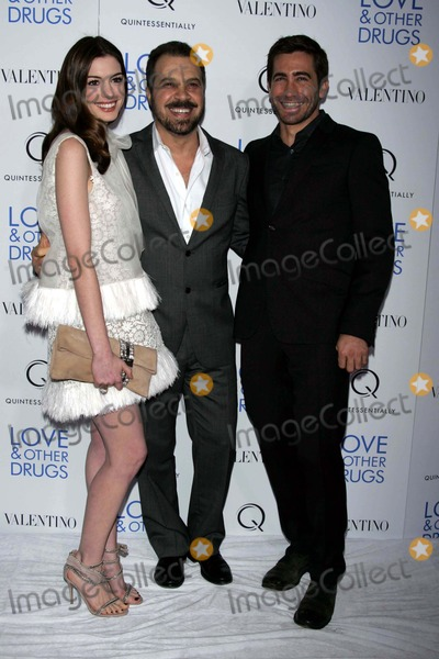 Anne Hathaway,Jake Gyllenhaal,Ed Zwick Photo - Love  Other Drugs Premiere in New York