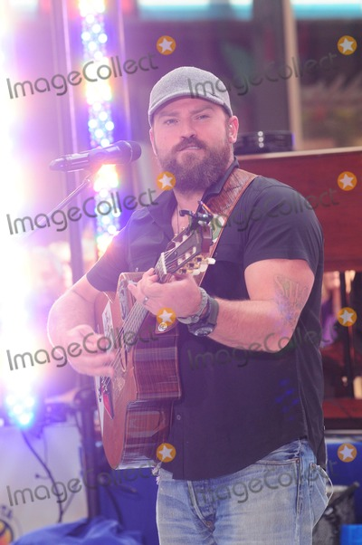 Zac Brown,Zac Brown Band Photo - Czac Brown Band Performs on Today Show Concert Series