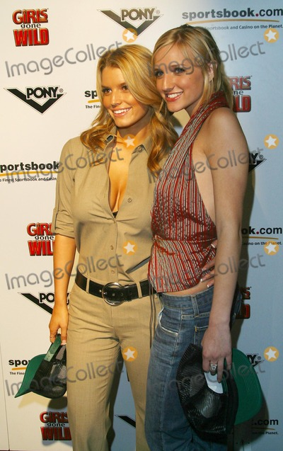 Jessica Simpson,Ashlee Simpson Photo - Girls Gone Wild