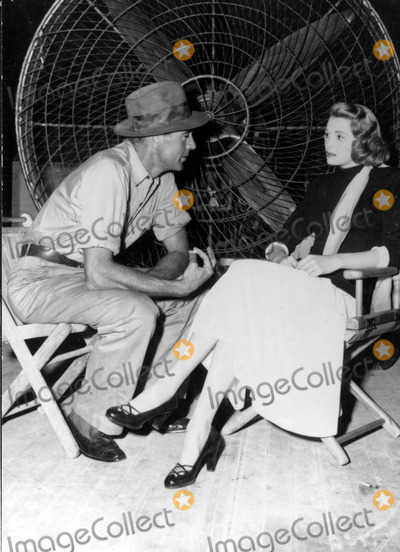 Patricia Neal Photo - Patricia Neal and Gary Cooper on the Set of Fountains Head 30030 Photo by Globe Photos Inc Patricianealretro