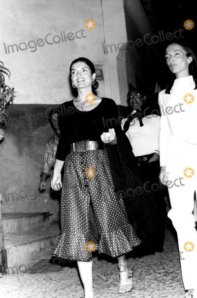 Jacqueline Kennedy Onassis Photo - Jacqueline Kennedy Onassis and Lee Radziwill Elio SorciGlobe Photos Inc Jacquelinekennedyonassisobit