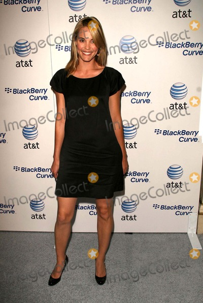 Leslie Bibb Photo - Archival Pictures - Globe Photos - 29787