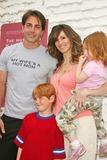 Hot Moms Club Photo - Michael Bergin with Joy Tilk-Bergin and familythe Hot Moms Club Book Launch Party Nanas Garden Los Angeles CA 04-29-06
