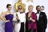Steve Carell Photo - Photo by REWestcomstarmaxinccomSTAR MAXCopyright 2016ALL RIGHTS RESERVEDTelephoneFax (212) 995-119622816Tina Fey Colin Gibson and Lisa Thompson and Steve Carell at the 88th Annual Academy Awards (Oscars)(Hollywood CA USA)