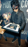 Nikki Sixx Photo - Photo by KGC-243starmaxinccomSTAR MAXCopyright 2015ALL RIGHTS RESERVEDTelephoneFax (212) 995-119611615EXCLUSIVENikki Sixx backstage at the SSE Arena Wembley accepting an award plaque for Motley Crues sold out show(London England UK)ExclusiveUS syndication only
