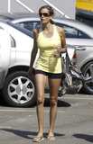 Pilate Photo - Desperate Housewives star Teri Hatcher and her daughter head to a Pilates class on Wednesday morning It was recently reported that the upcoming season will be the final for Desperate Housewives Studio City CA 17th August 2011Fees must be agreed for image use