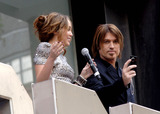 Hannah Montana Photo - Actress Miley Cyrus and Billy Ray Cyrus at the UK film premiere of Hannah Montana The Movie at the Odeon West End on April 23 2009  in London