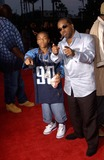Lil Bow Wow Photo - Singers LIL BOW WOW (left)  JERMAINE DUPRI at the world premiere in Hollywood of Hardball10SEP2001   Paul SmithFeatureflash