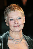 Judi Dench Photo - London Dame Judi Dench at the UK Premiere of Mrs Henderson Presents at the Vue Cinema Leicester Square  23 November 2005Paulo PirezLandmark Media