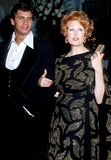 Lorenzo Lamas Photo - Arlene Dahl Lorenzo Lamas Academy Awards 1977 Oscars Phil RoachipolGlobe Photos Inc