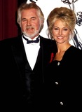 Kenny Rogers Photo - Sd1119 International Emmys Kenny Rogers and Wife Marianne Photo Bymichael FergusonGlobe Photos Inc 1990 Kennyrogersretro