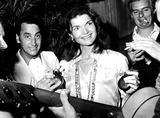 Jacqueline Kennedy Onassis Photo - Jacqueline Kennedy Onassis 1974 27369 KosmosGlobe Photos Inc