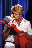 John Schneider Photo - 1982 John Schneider Photo by Globe Photos
