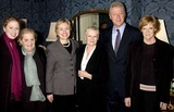 Judi Dench Photo - Dave Benettalpha 049879 291102 Chelsea Clinton Madelaine Allbright Hilary Clinton Dame Judy Dench Bill Clinton and Dame Maggie Smith -Breath of Life Play at the Theatre Royal in London Photo Bydave BenettalphaGlobe Photos Inc 2002
