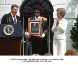 Ronald Reagan Photo - Ronald and Nancy Reagan with Michael Jackson 1984 ReinsteinGlobe Photos Inc