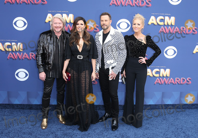 Photos From 2018 ACM Awards Red Carpet Arrivals