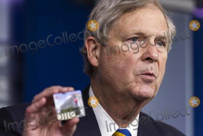 Photo - Agriculture Secretary Tom Vilsack speaks from White House
