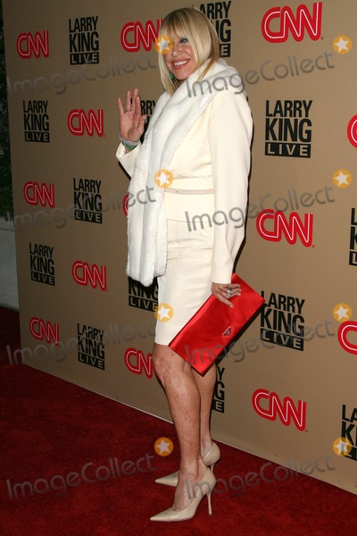 Photo - CNNs Larry King Live Final Broadcast Wrap Party