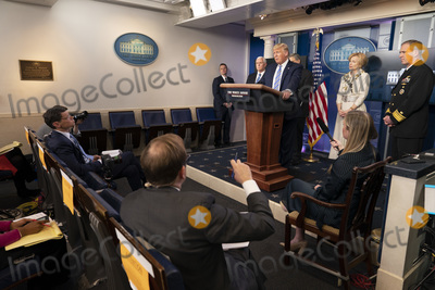Photo - Donald Trump Briefing on the COVID-19 Outbreak