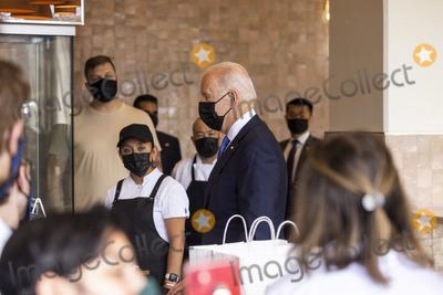 Photo - Biden visits restaurant in Washington DC