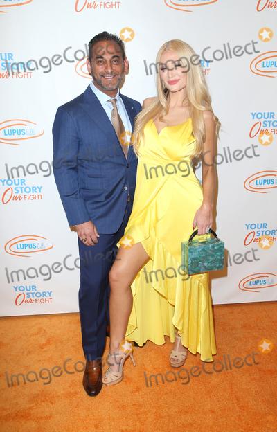 Photo - Lupus LA Orange Ball 2019