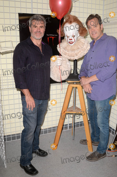 Alec Gillis Photo - Pennywise Statue Tom Woodruff Jr Alec GillisMake-Up Artist Magazine and Creature Features present Creating Pennywise from Stephen Kings IT including an unveiling of a Pennywise Stataue by Special Effect Masters Tom Woodruff Jr and Alec Gillis Creature Features Burbank CA 10-14-17