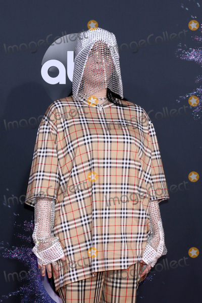Photos From 47th American Music Awards - Arrivals