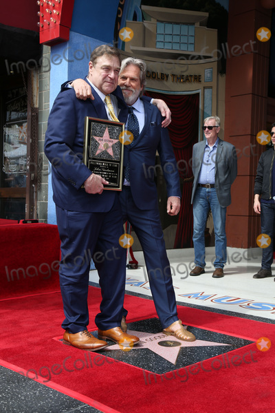 Jeff Bridges,John Goodman Photo - John Goodman Walk of Fame Star Ceremony