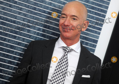 Photo - Photo by Dennis Van TinestarmaxinccomSTAR MAX2017ALL RIGHTS RESERVEDTelephoneFax (212) 995-1196121417Jeff Bezos at the premiere of The Post in Washington DC
