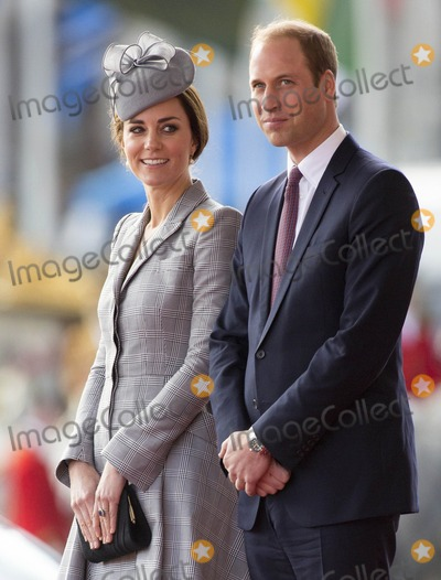 Photo - Photo by KGC-375starmaxinccomSTAR MAX2014ALL RIGHTS RESERVEDTelephoneFax (212) 995-1196102114Prince William The Duke of Cambridge and Kate Middleton Catherine The Duchess of Cambridge at the Royal Pavilion to welcome the President of the Republic of Singapore as he arrives for his State Visit to the United Kingdom(London England UK)