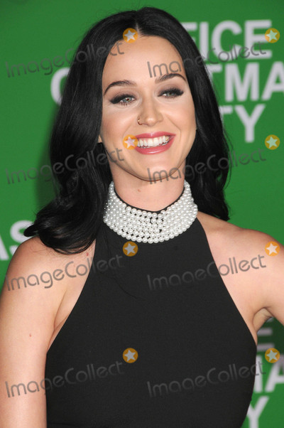 Photo - Photo by KGC-136starmaxinccomSTAR MAX2016ALL RIGHTS RESERVEDTelephoneFax (212) 995-119612716Katy Perry at the premiere of Office Christmas Party in Westwood CA