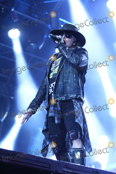ACDC Photo - Singer AXL ROSE ACDC-concert Hamburg Volksparkstadion 26052016