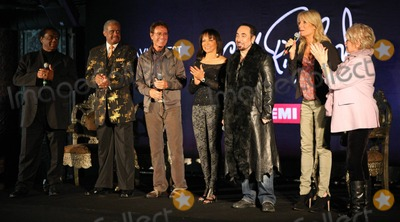 Ashford  Simpson Photo - Lamont Dozier Cliff Richard David Gest Gaby Roslin and Gloria Hunniford at a press conference held at Gilgamesh announcing that English pop star Cliff Richard 70 will duet with a series of soul legends on his new EMI album produced by Lamont Dozier Ashford  Simpson with David Gest ex-husband of Liza Minnelli as executive producer London UK 030711