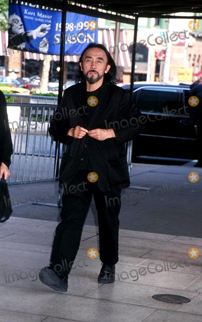 Yohji Yamamoto Photo -  Sd06011999 Memorial Service For Liz Tilberis at Avery Fisher Hall NYC Yohji Yamamoto Photo by Henry Mcgee  Globe Photosinc Sternrequest