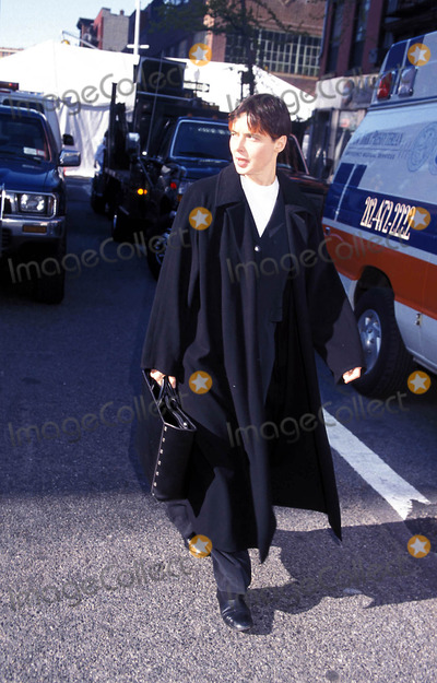 Photo - Archival Pictures - Henrymcgee - 189805