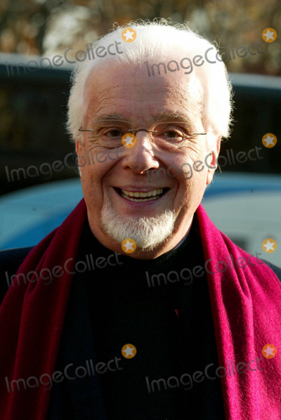 PETER NERO Photo - Peter Nero at the 77th Annual Macys Thanksgiving Day Parade in New York City on November 27 2003 Photo Henry McgeeGlobe Photos Inc 2003
